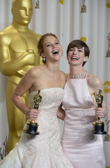 Jennifer-Lawrence-Anne-Hathaway-celebrated-big-wins