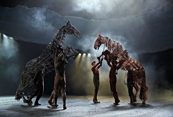 War_Horse_at_the_New_London_Theatre_Credit_Brinkhoff_Mogenburg