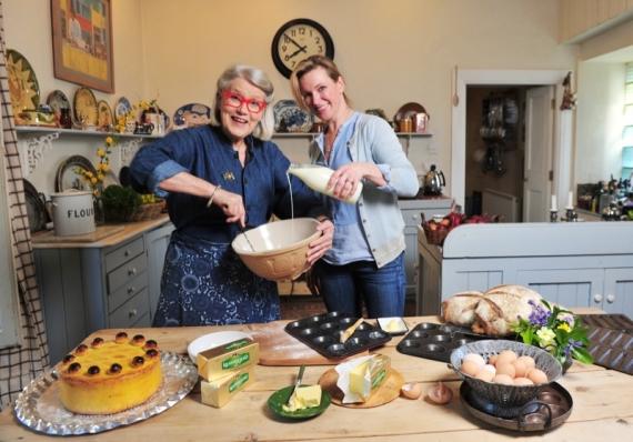 Rachel and Darina Cooking