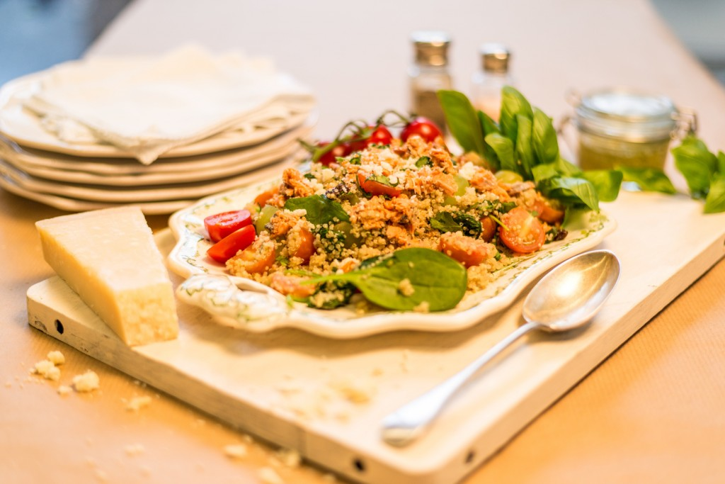 quinoa_&_salmon_and_pesto_dressing_1