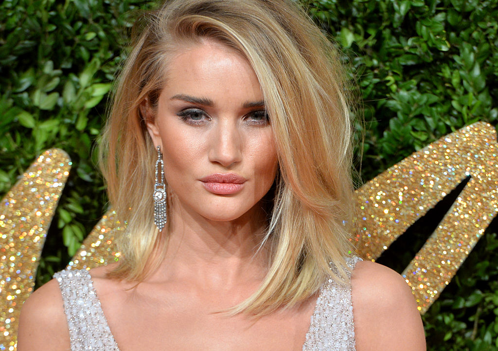 LONDON, ENGLAND - NOVEMBER 23:  Rosie Huntington-Whiteley attends the British Fashion Awards 2015 at London Coliseum on November 23, 2015 in London, England.  (Photo by Anthony Harvey/Getty Images)
